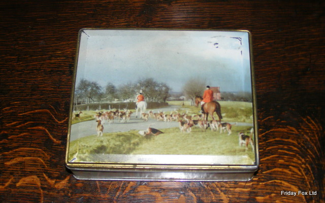 Small Hunting Tin